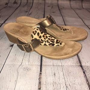 Vionic Alanis heeled sandals leopard print 10